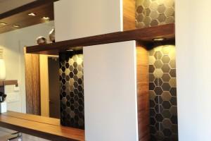 Rénovation d'une salle de bain avec nouvelle vanité et pose de céramique au plancher et aux murs